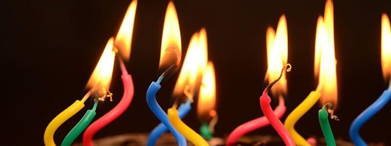 Her ser du lys til fødselsdag. Få tre traditionelle sange til fødselsdag lige her.