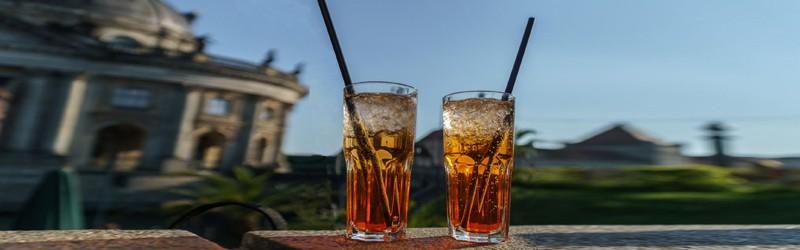 Her ser du en Aperol Spritz drink. Find en Aperol Spritz opskrift her.