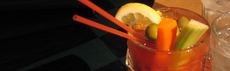 Her ser du en Bloody Mary drink. Find en Bloody Mary opskrift her.