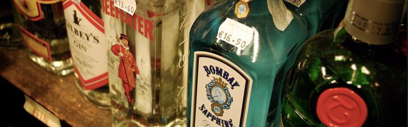 Her ser du flasker til gin drinks. Find opskrifter på drinks med gin her på siden.