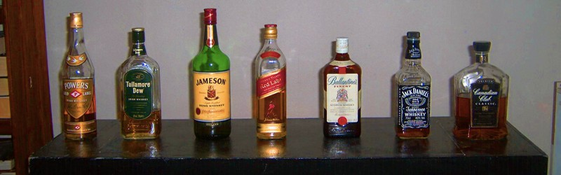 Her ser du flasker til whisky drinks. Find opskrifter på drinks med whisky her på siden.