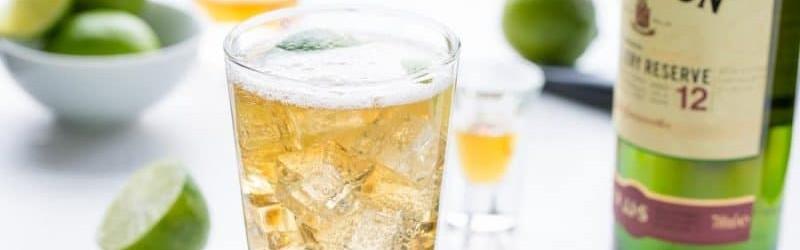 Her ser du en Jameson Ginger Lime drink. Få en Jameson Ginger Lime opskrift her på siden.